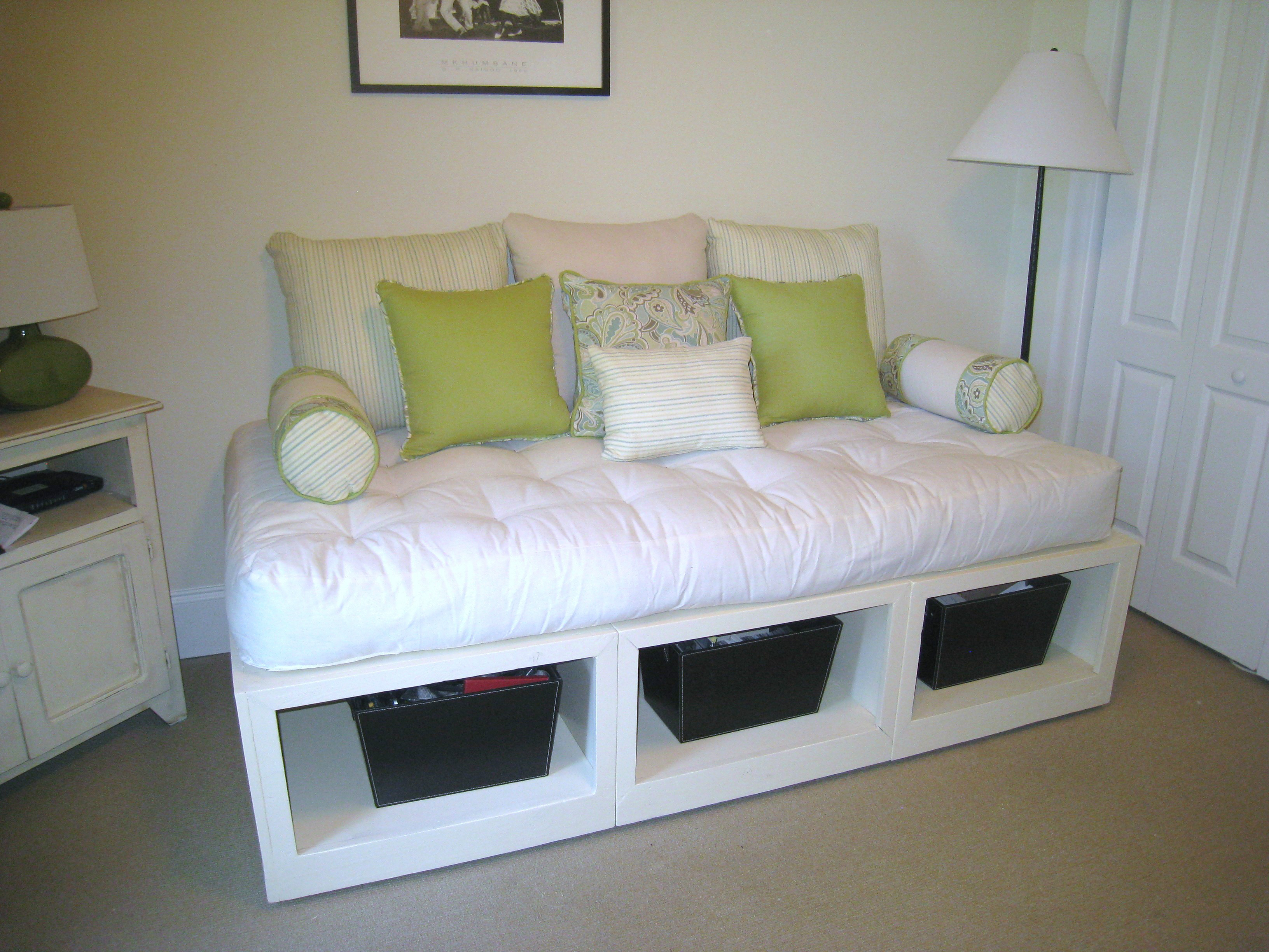 Amazing daybed with storage for small bedroom design with full size daybed with storage