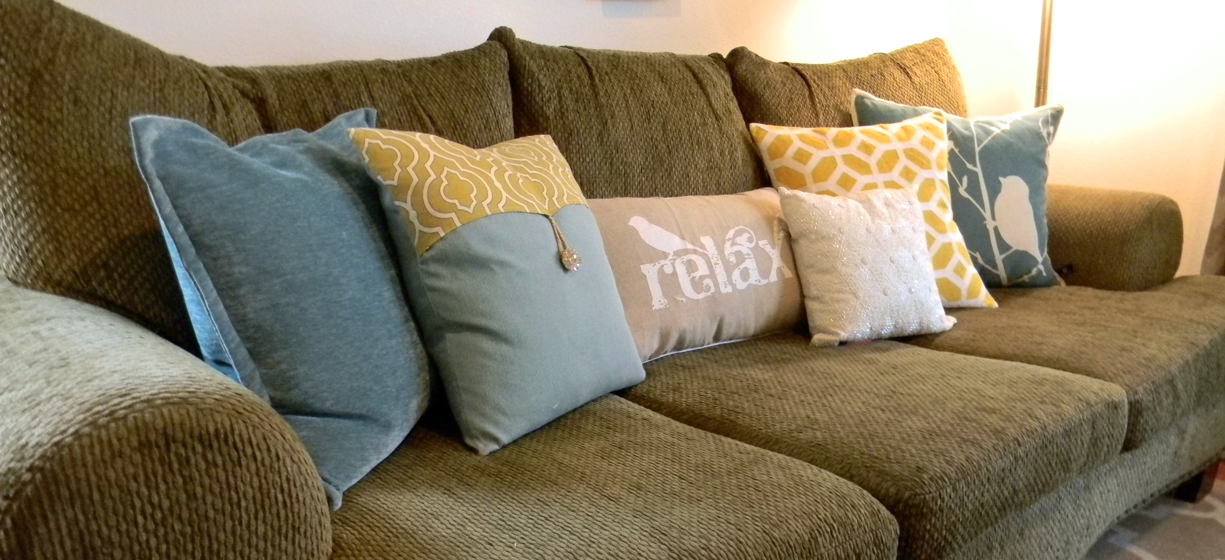 Living Room Design: Amazing Throw Pillows For Couch With Sofa For ...