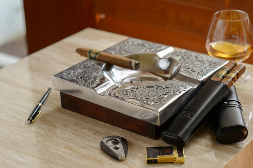 Awesome Cigar Ashtray For Your Cigars With Vintage Cigar Ashtray