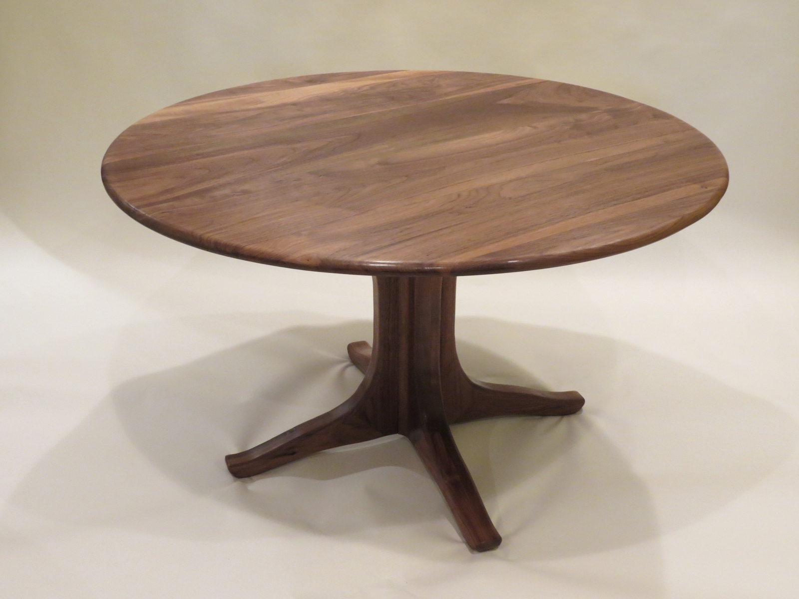Awesome pedestal dining table and chair for dining room with round pedestal dining table