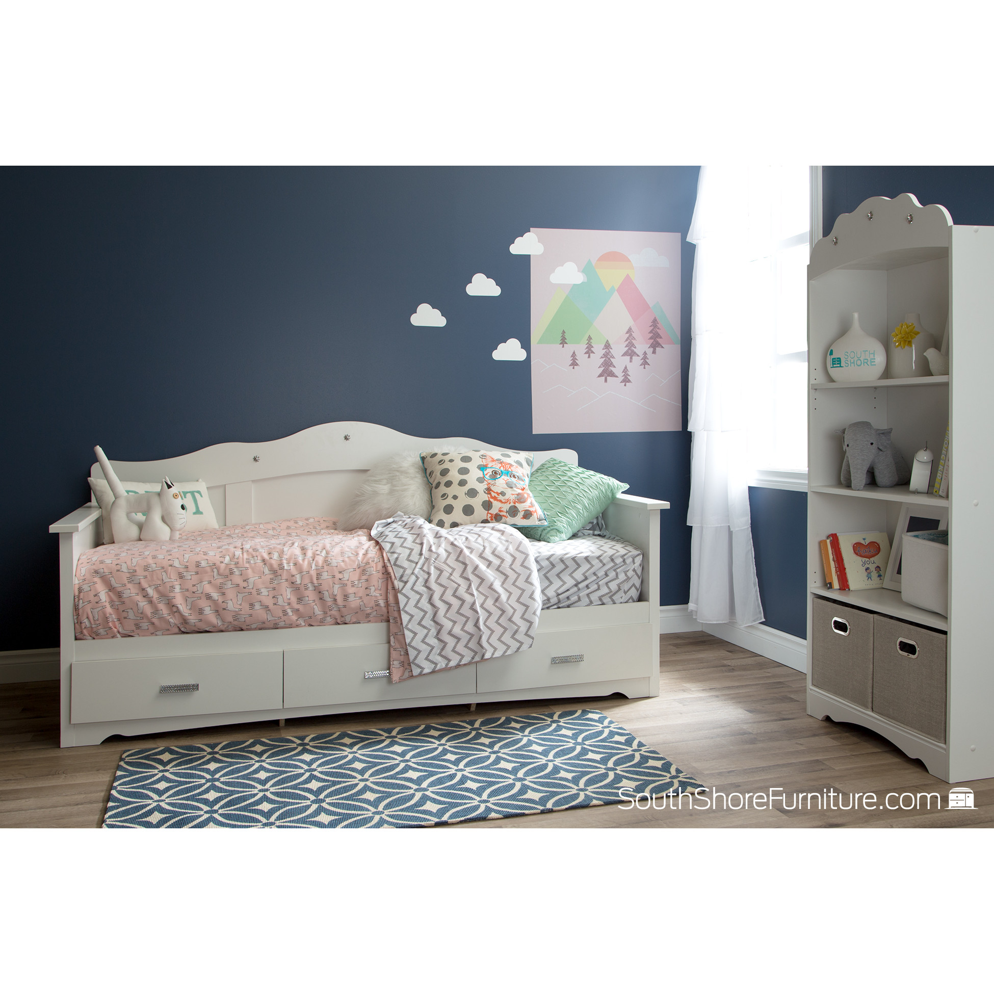 Captivating daybed with storage for small bedroom design with full size daybed with storage