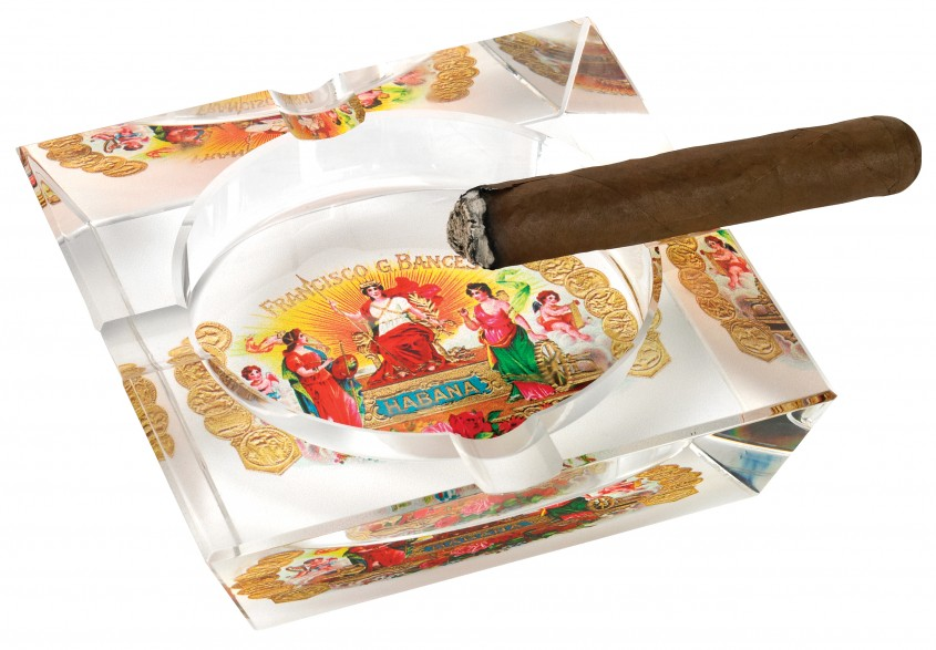 Cute Cigar Ashtray For Your Cigars With Crystal Cigar Ashtray