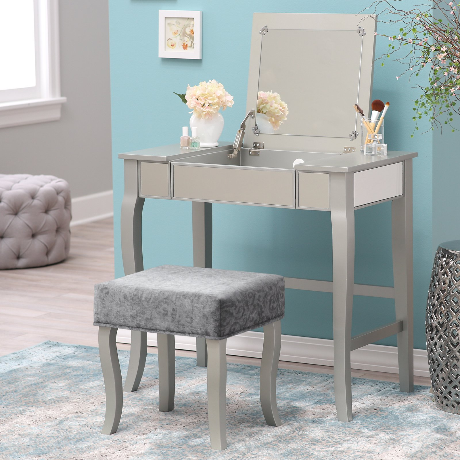 Cute mirrored vanity for home furniture and vanity mirror with lights