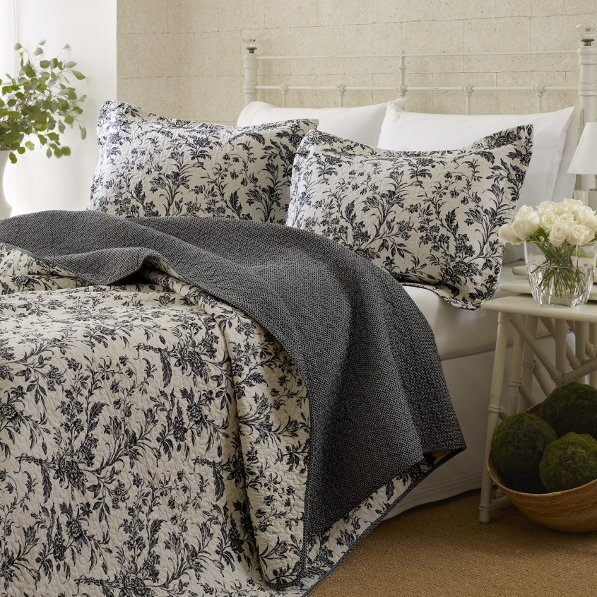 Dazzling King Size Quilts For Modern Bedroom Design With King Size Quilt Dimensions