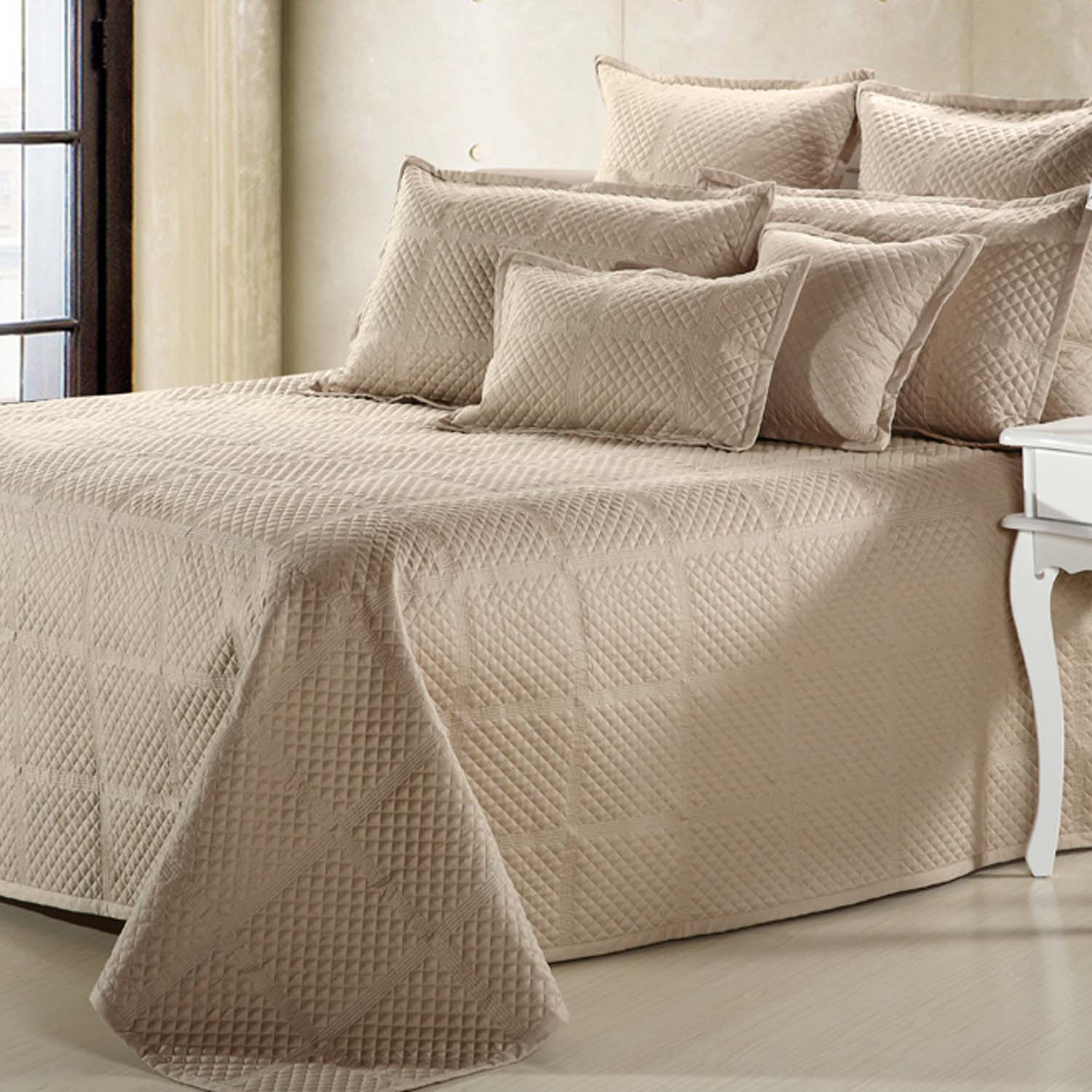 Excellent coverlets for fantastic bedroom ideas with matelasse coverlet