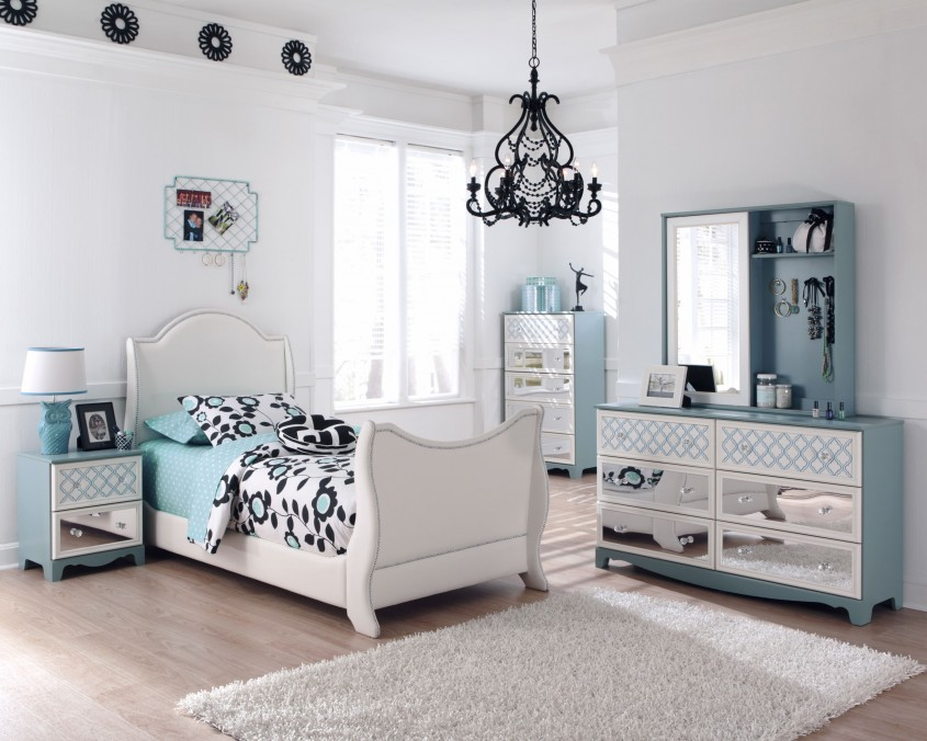 Decorating Mirrored Nightstand Amelie Mirrored Hall Chest With Regard To Mirrored Chest Cheap