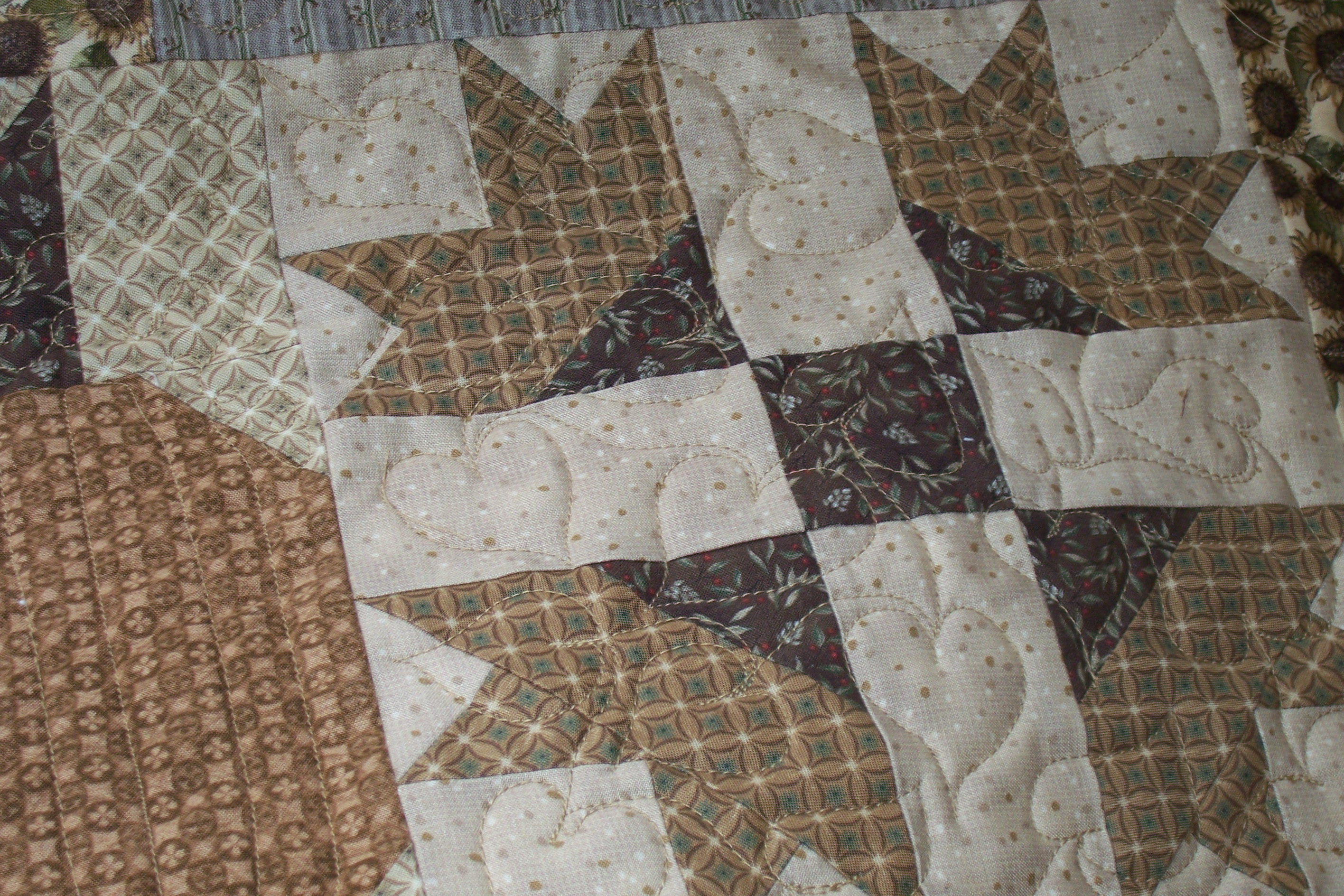 Gorgeous king size quilts for modern bedroom design with king size quilt dimensions
