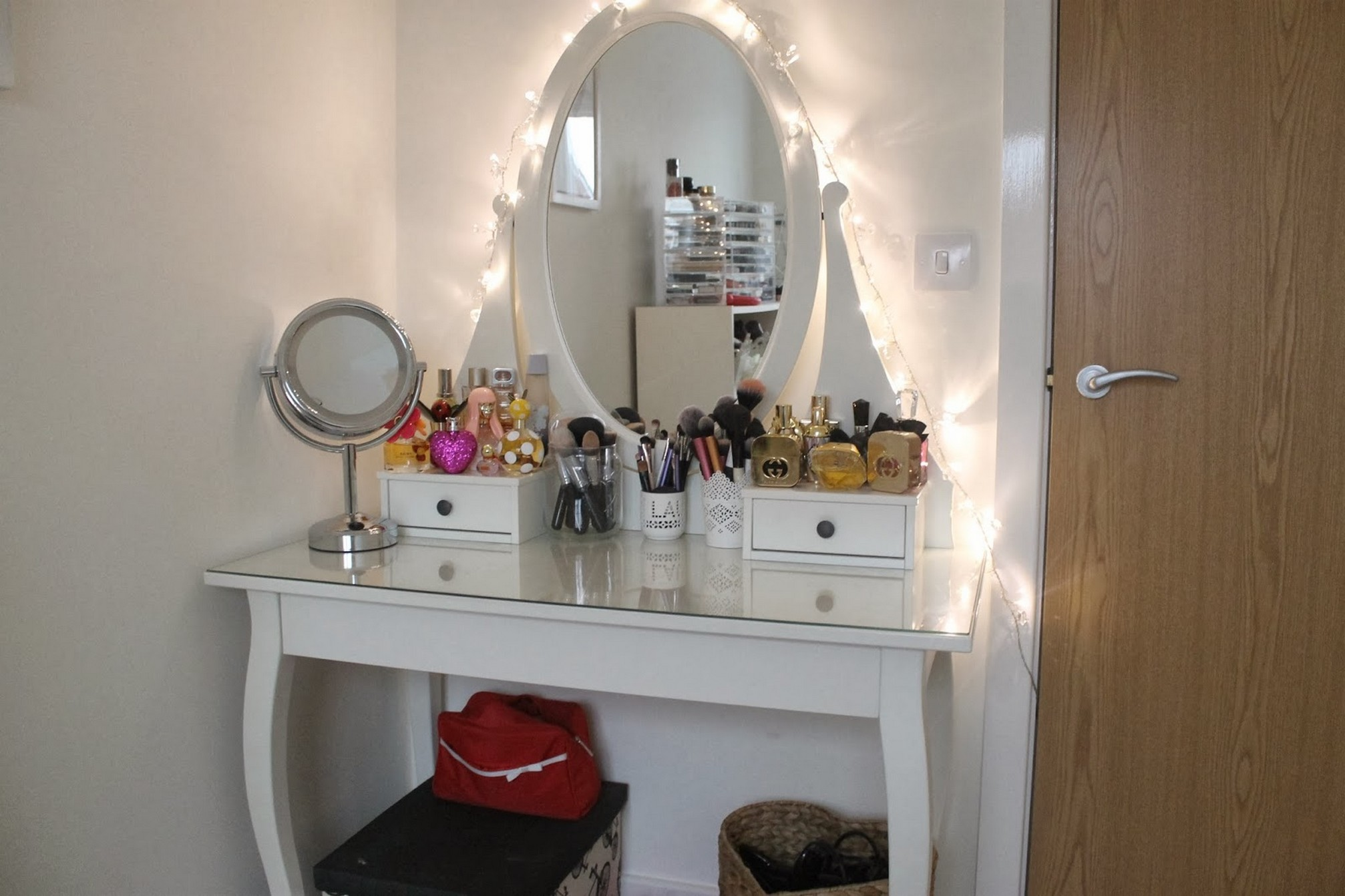 Gorgeous mirrored vanity for home furniture and vanity mirror with lights