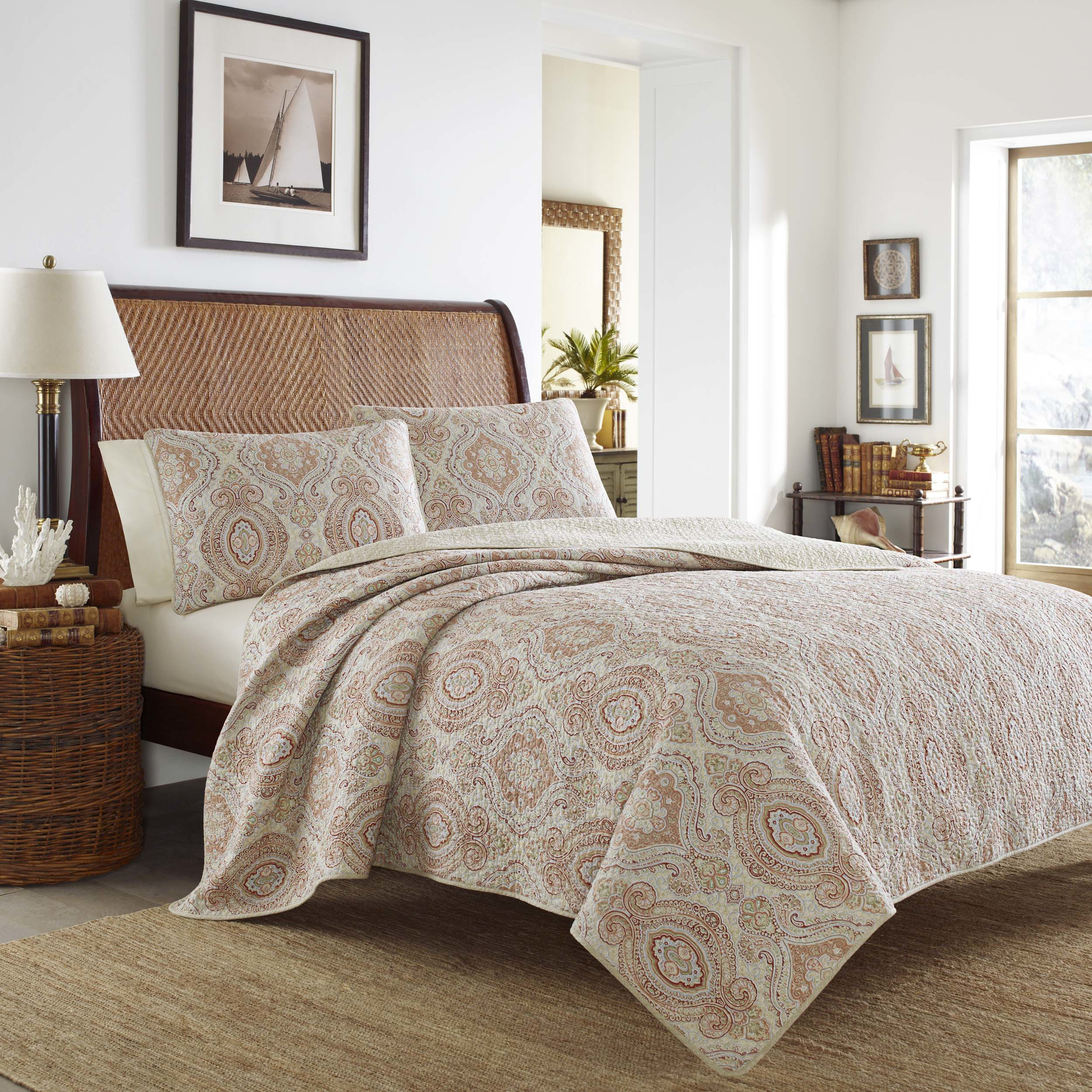 Mesmerizing king size quilts for modern bedroom design with king size quilt dimensions