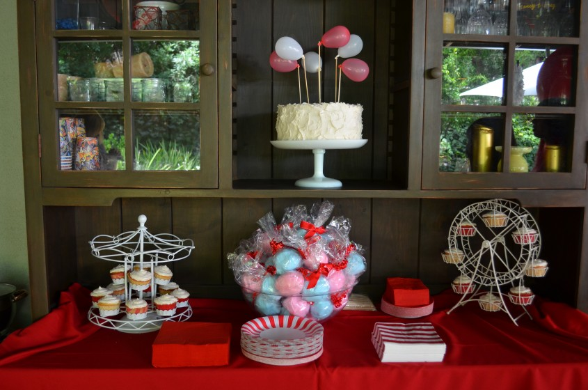 Amazing Ferris Wheel Cupcake Holder For Wedding With Ferris Wheel Cupcake Stand