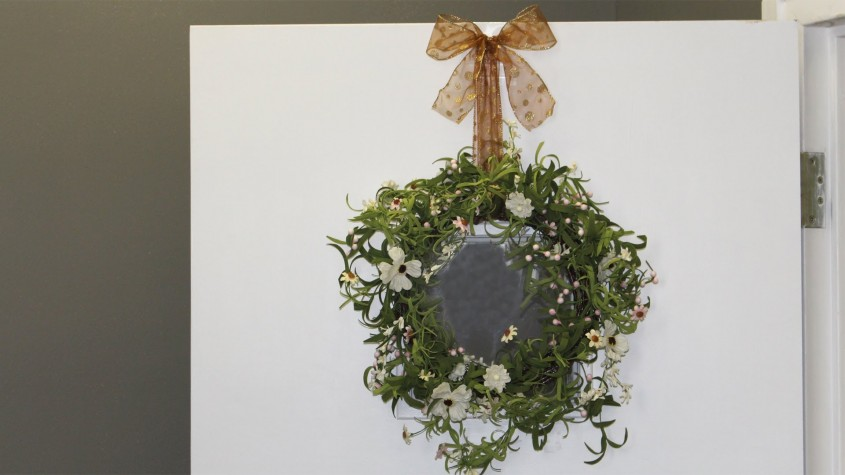 Amazing Wreath Hanger For Home Decor Ideas With Magnetic Wreath Hanger