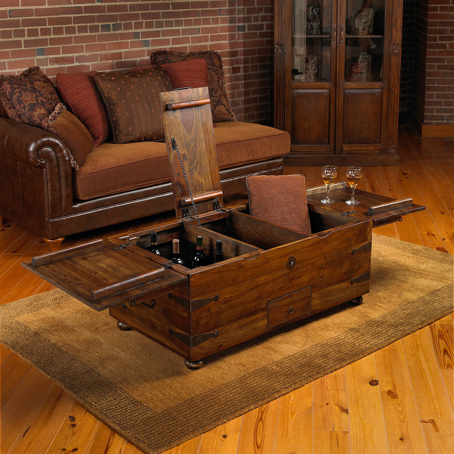 Beautiful trunk coffee table for classic home furniture with storage trunk coffee table