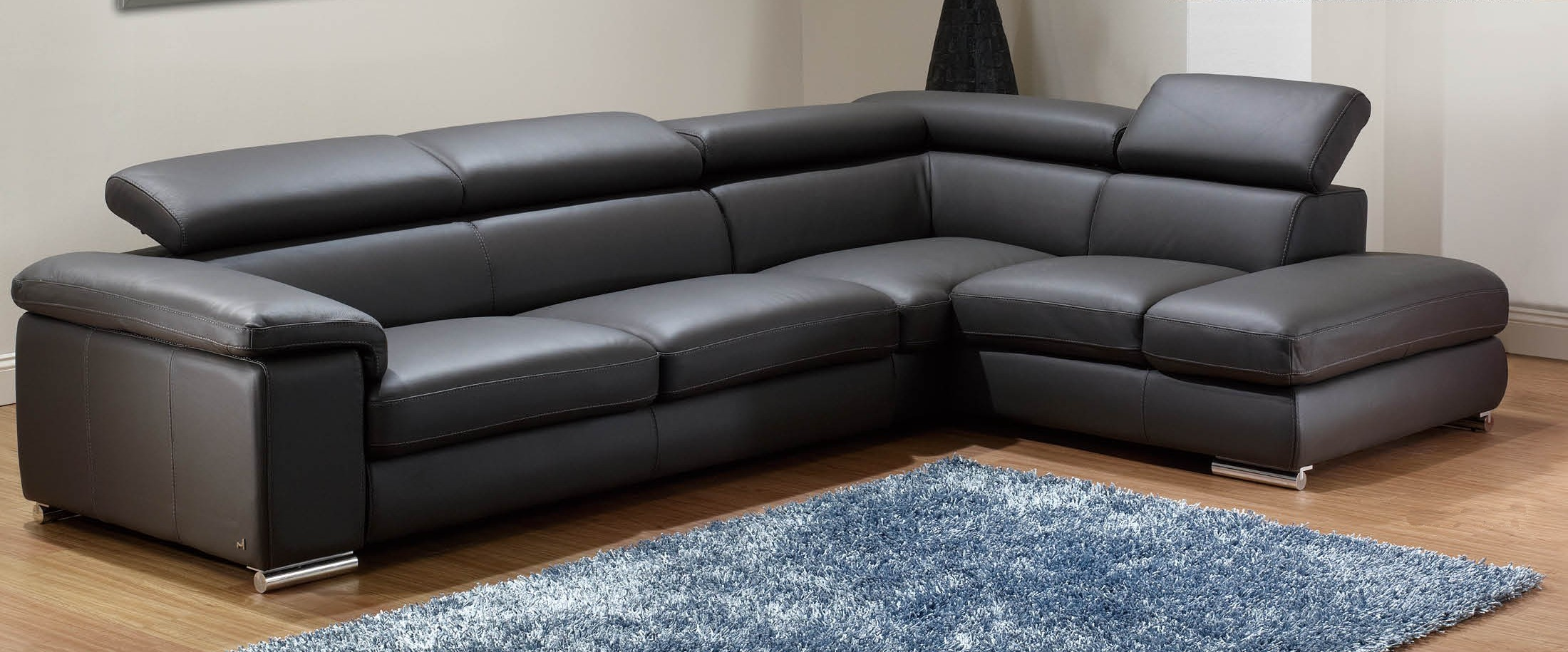 Living Room Design Awesome Black Leather Sectional For Elegant  ~ Modern Black Sectional Sofa