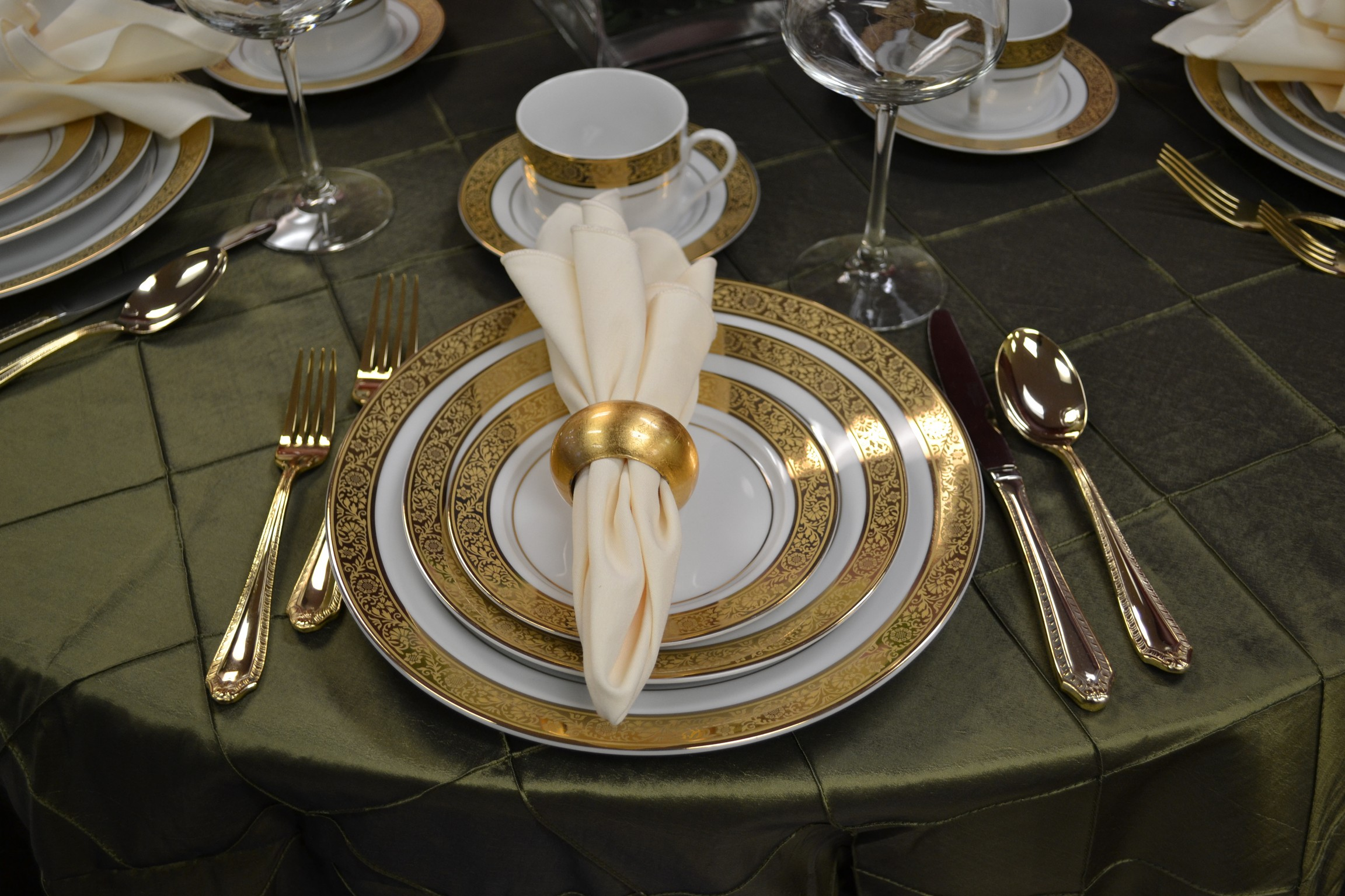 Best gold flatware for kitchen and dining sets ideas with gold flatware set