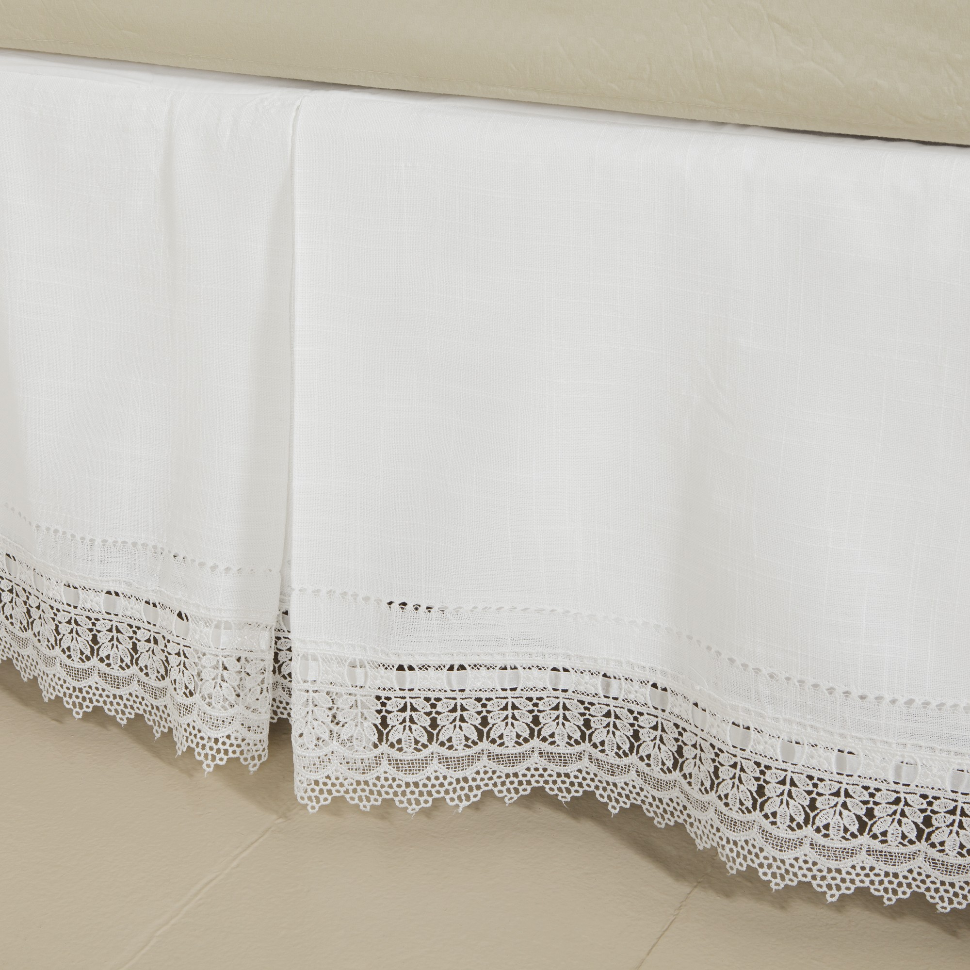 Breathtaking bedskirts for bedroom with daybed bedskirt