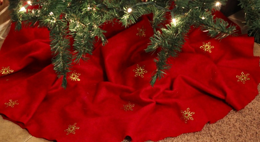 Breathtaking Christmas Tree Skirts For Christmas Ideas With Christmas Tree Skirt Pattern