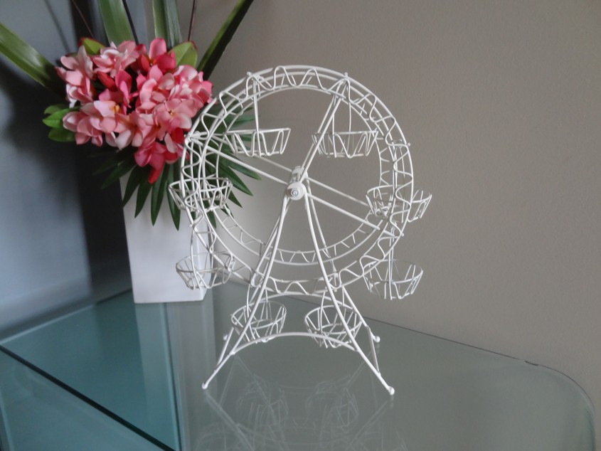 Captivating Ferris Wheel Cupcake Holder For Carnival Party With Ferris Wheel Cupcake Stand