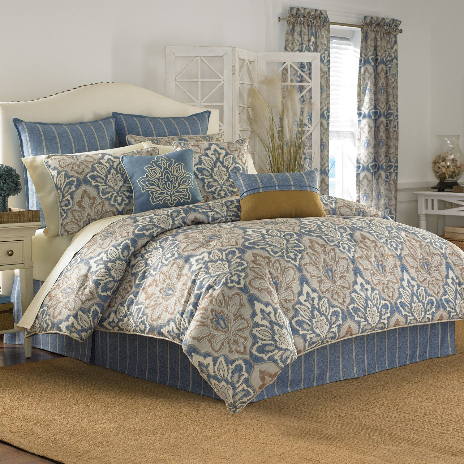Chic comforters sets for bedroom design with queen comforter sets