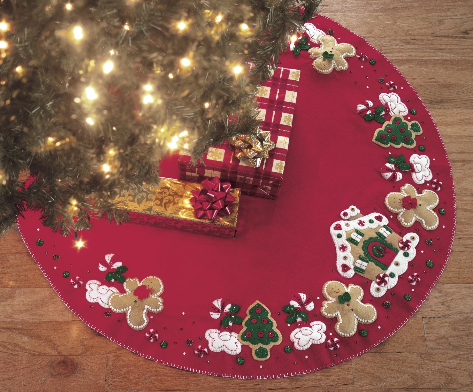 Elegant christmas tree skirts for christmas ideas with christmas tree skirt pattern