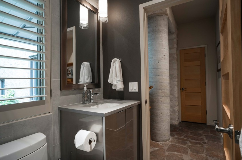 Elegant Mirabelle Sinks With Stainless Steel Faucet And Square Miror For Bathroom With Mirabelle Undermount Sink