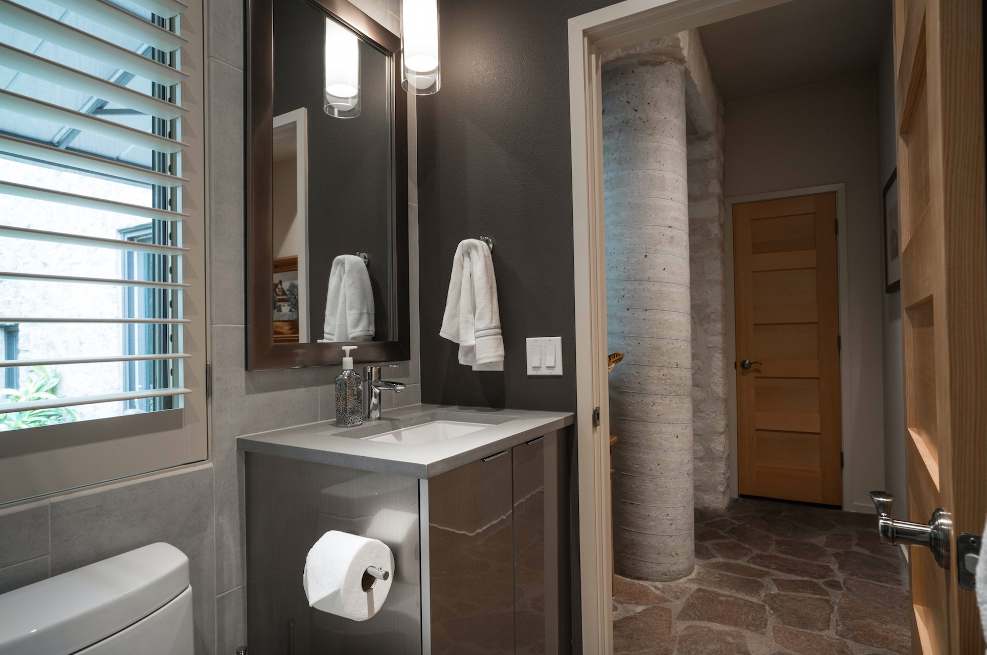 Elegant mirabelle sinks with stainless steel-faucet and square miror for bathroom with mirabelle undermount sink