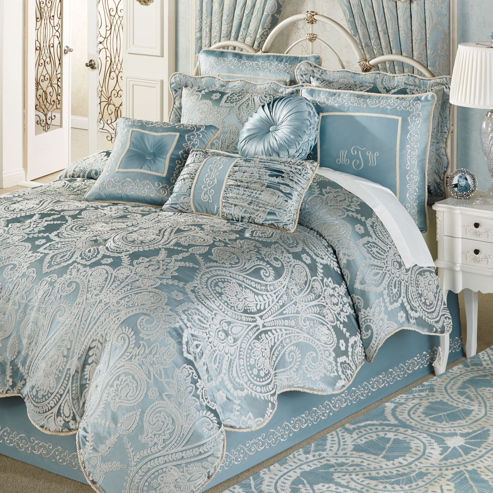 Exciting comforters sets for bedroom design with queen comforter sets