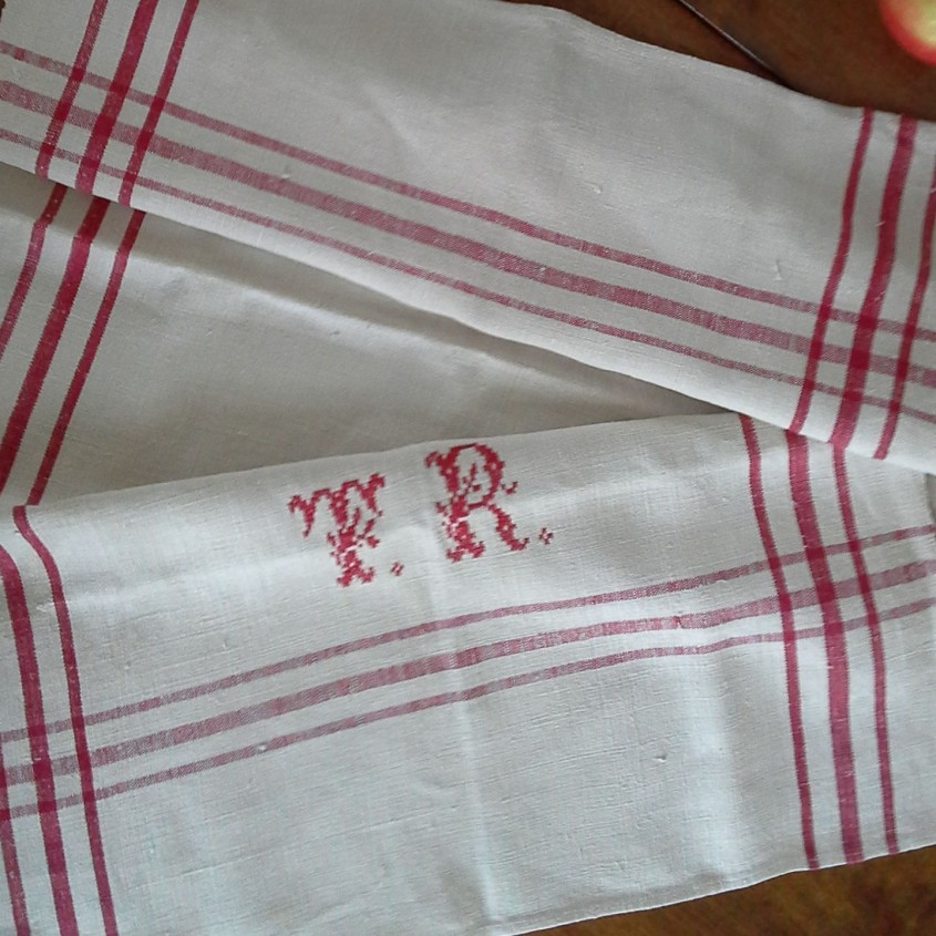 Gorgeous Monogrammed Towels For Bathroom Ideas With Monogrammed Bath Towels