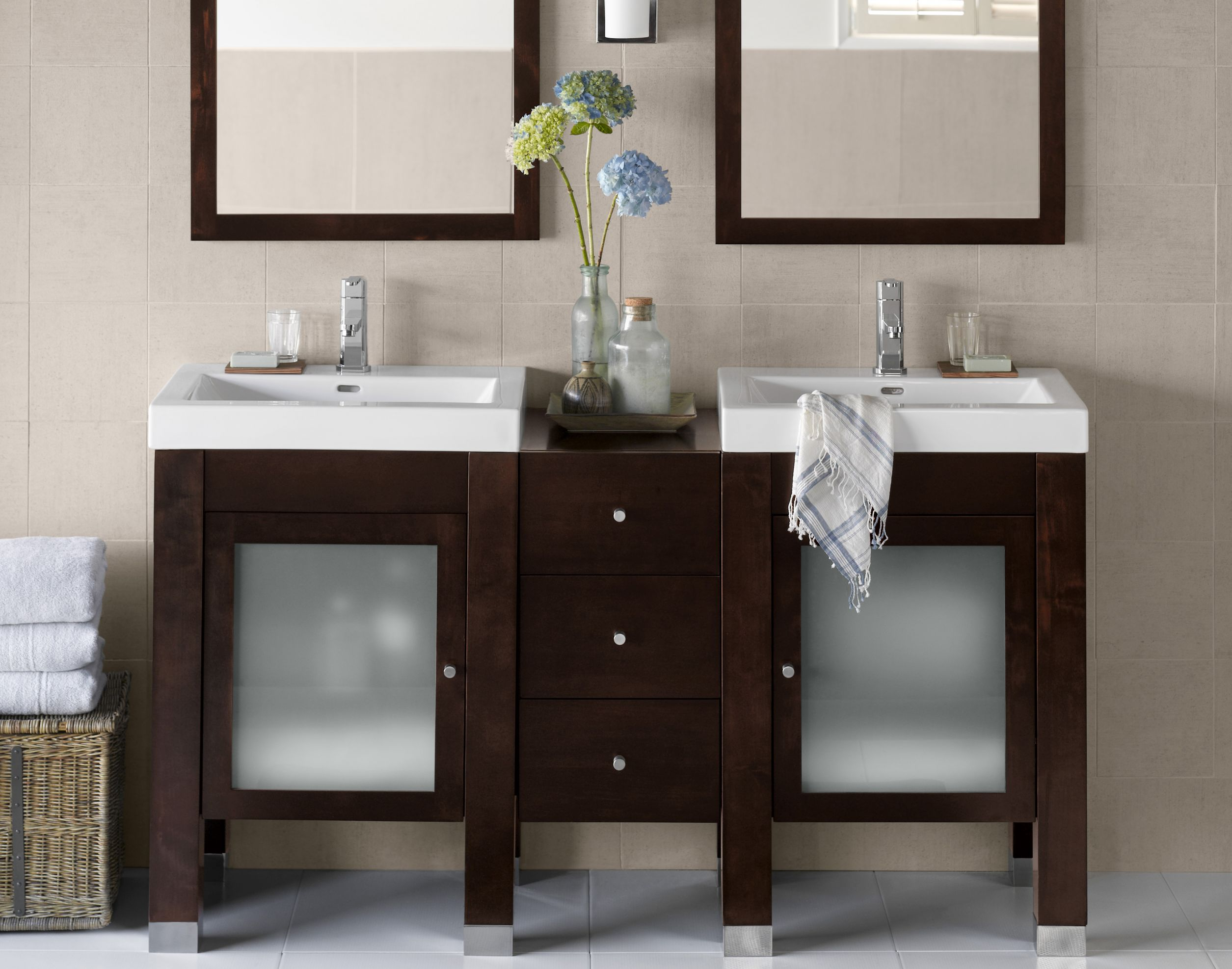 Remarkable mirabelle sinks with Golden Frame Mirror Design And Single Sink for bathroom with mirabelle undermount sink
