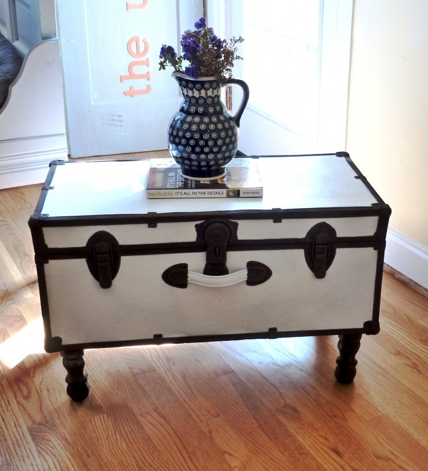 Wonderful Trunk Coffee Table With Lovely Flower On Unique Vase Centerpieces For Classic Home Furniture With Storage Trunk Coffee Table